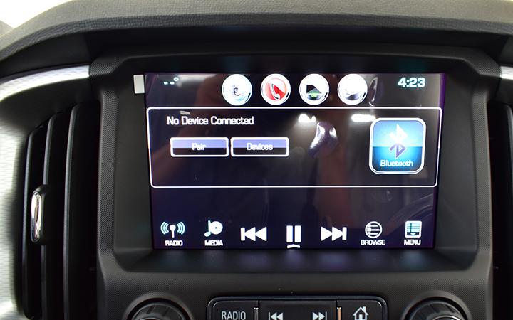 Luôn kết nối Gọi điện, nhắn tin hay giải trí dễ dàng với hệ thống kết nối điện thoại