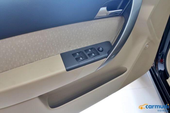Cửa sổ chỉnh điện của xe Chevrolet Aveo carmudi vietnam