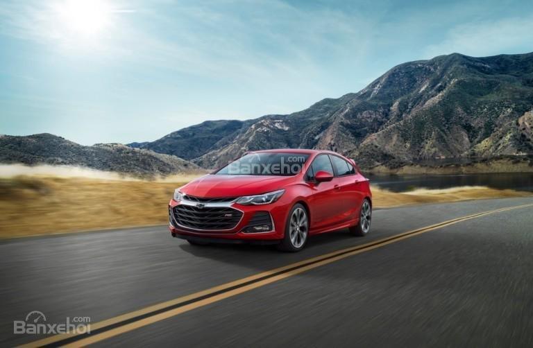Đánh giá xe Chevrolet Cruze 2019 nâng cấp: Cho cảm giác lái trơn tru.