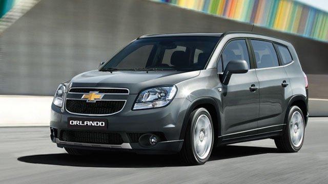 So sánh Chevrolet Orlando thế hệ mới và cũ 2a