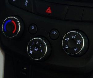 So sánh Chevrolet Trax 2017 và Suzuki Vitara 2016 trong cùng tầm giá 800 triệu